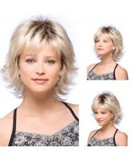 Волнистый парик блонд каре с челкой