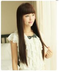 Длинный прямой парик с челкой