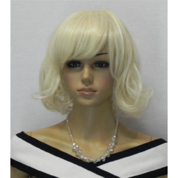 Волнистый парик с челкой блонд каре