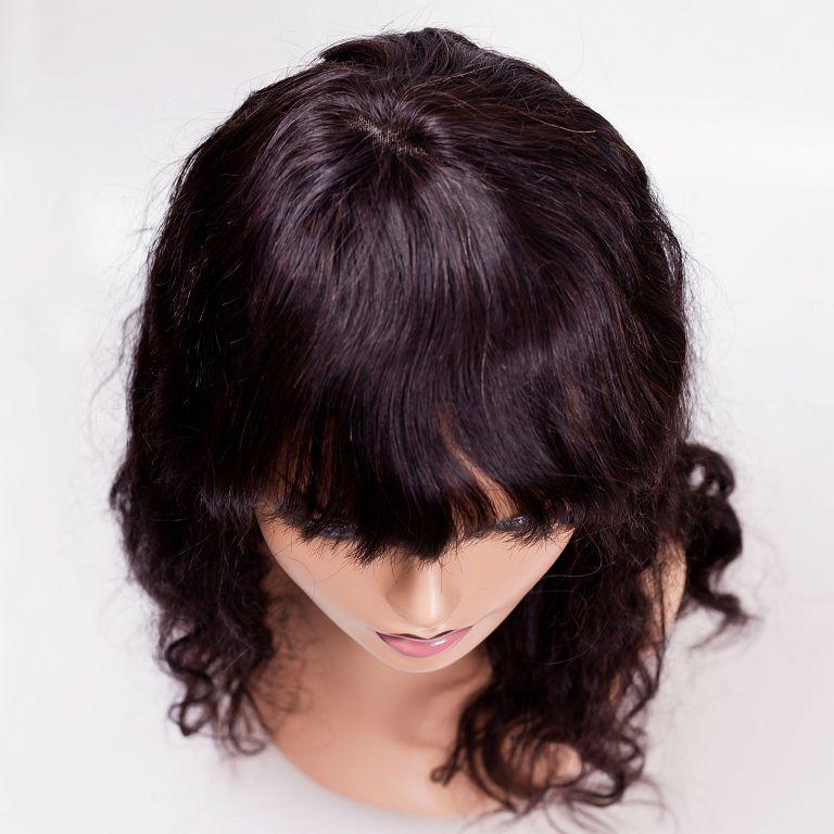 Натуральный парик с челкой, вид сверху